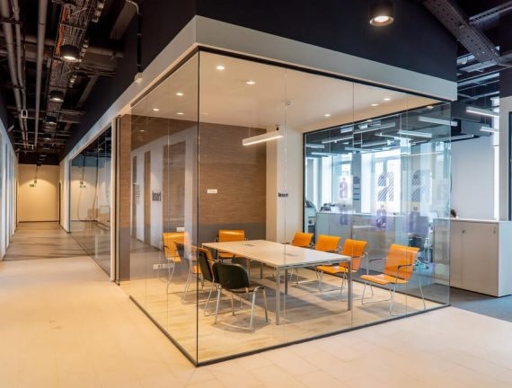 glass partitions walls in a commercial office space